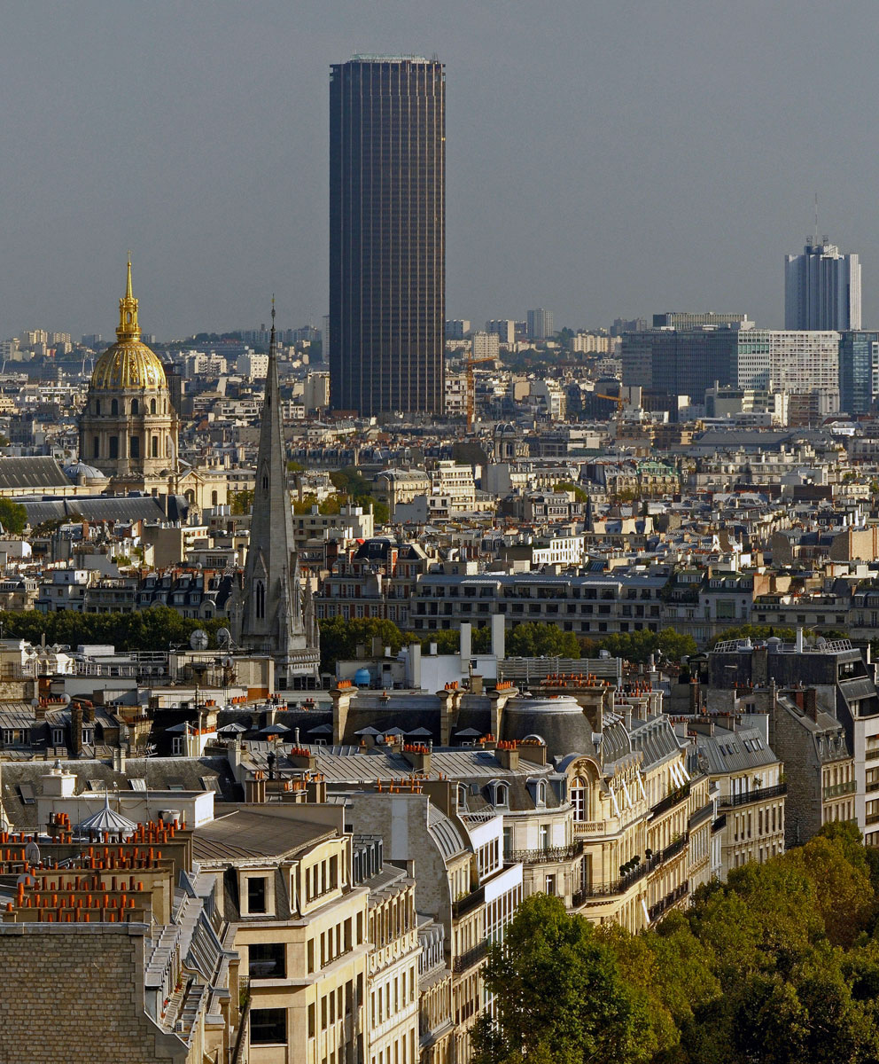 Tour_Montparnasse_seen_from_Arc_de_Triomphe